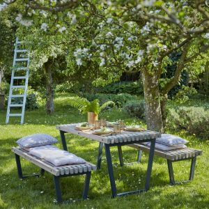 table de jardin en pin